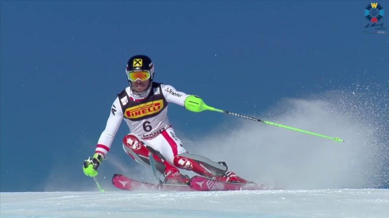 Ski Slalom Fahrer